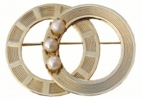 Vintage Gold Tone Double Circle and Cultured Pearl Brooch